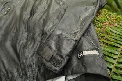 jaket yang mengalami penurun DWR
