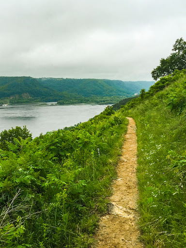 Hike to Brady Bluff at Perrot State Park