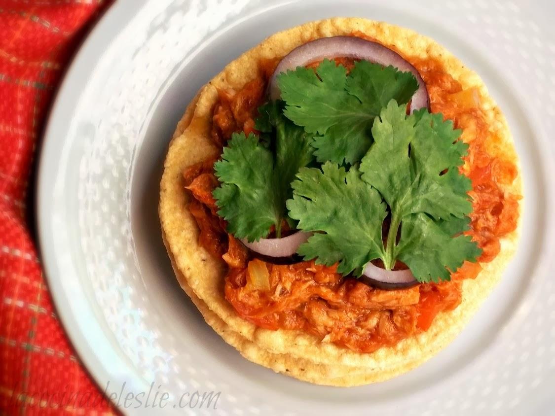 Tostadas de Atún - lacocinadeleslie.com