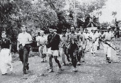 Anggota DI/TII eks Batalyon 426 yang memberontak di Jawa Tengah berhasil ditawan oleh pasukan TNI.