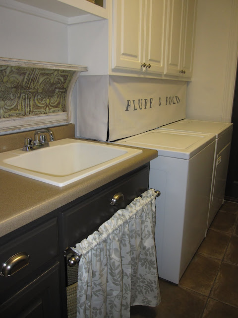 fluff n fold sign in laundry room