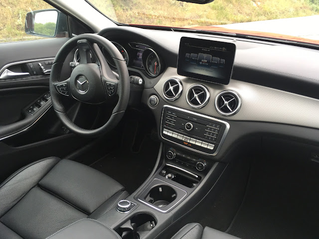 Interior view of Mercedes-Benz GLA 250 4MATIC