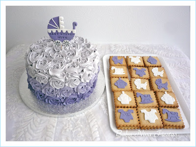 tarta galletas  baby shower lila y blanco