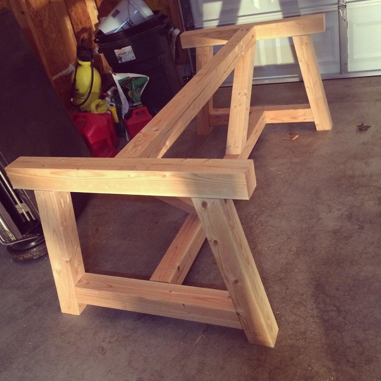 Holy Cannoli! We Built a Farmhouse Dining Room Table ...