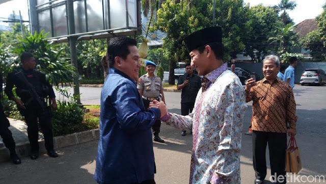 Saat Erick Thohir Sandiaga Uno Berpapasan di Depan Rumah Dinas Ketua DPR