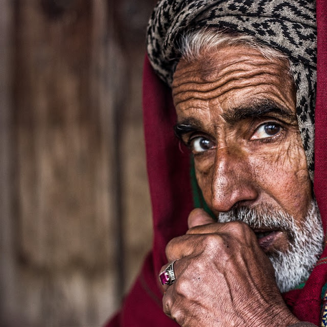 portraits people photo from pakistan old man