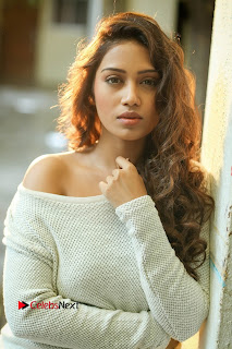 Actress Nivetha Pethuraj Latest Picture Shoot Gallery  0001.jpg