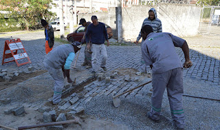 Agriões Teresópolis RJ - Recomposição de paralelos é feita em diversas ruas