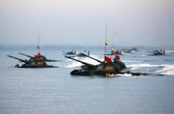 Amfibi Marinir- Latgab TNI 2014