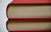 https://pixabay.com/de/b%C3%BCcher-b%C3%BCcherstapel-lesen-literatur-1956343/