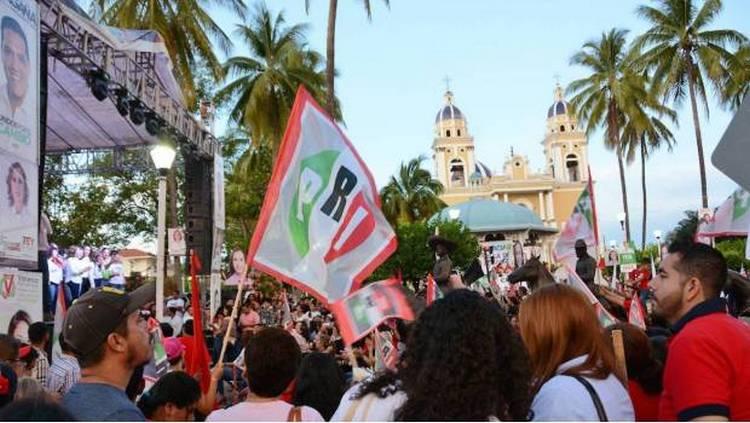 PRI en Colima no tiene para pagarles a sus empleados… Les da vales de gasolina