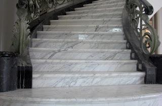 Marmer Import White Carrara Terpasang