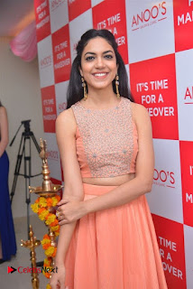 Actress Ritu Varma Launches Anoos Salon & Clinic  0006