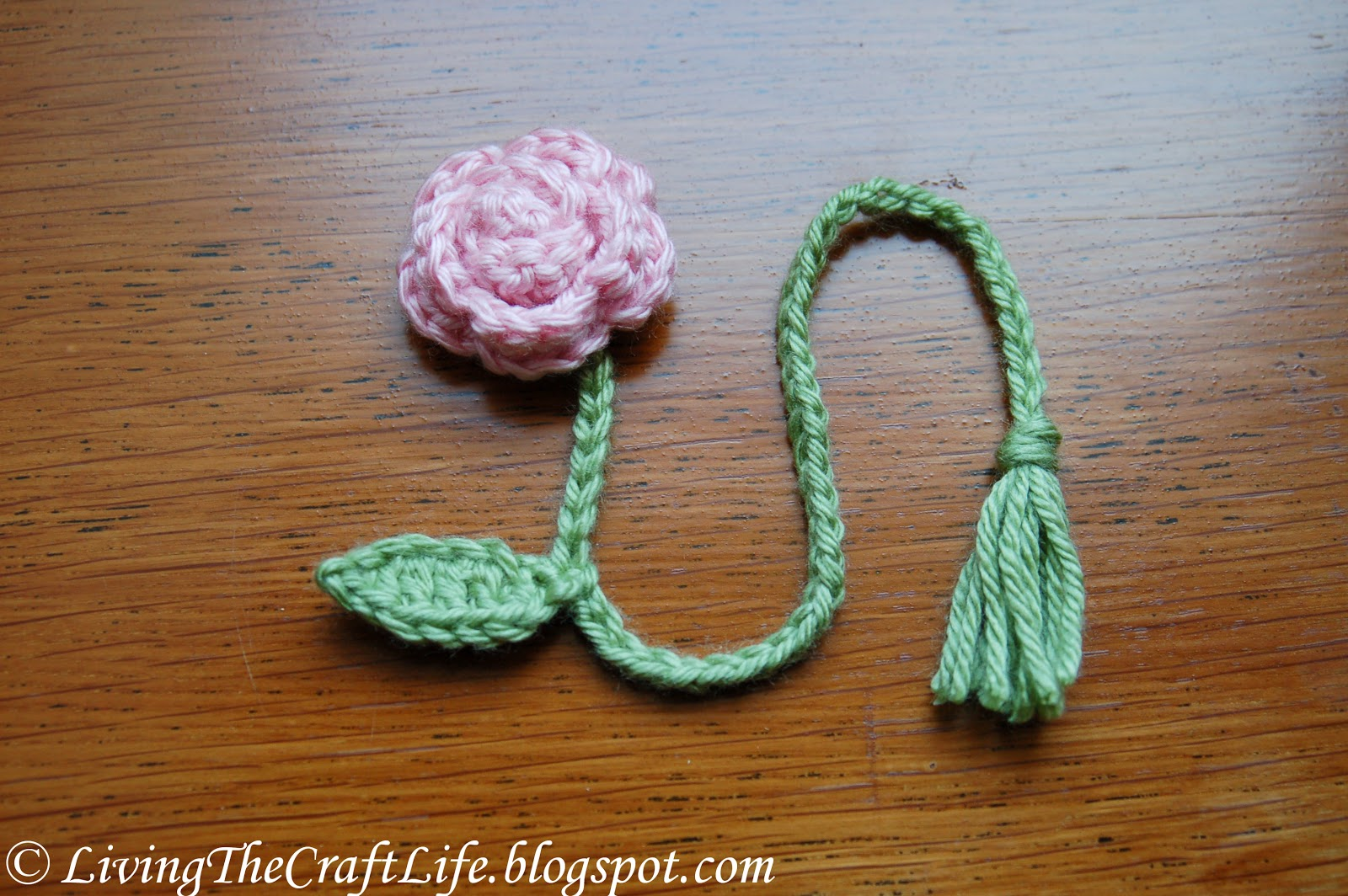 Easy Cute Crochet Flower Pattern : Living the Craft Life: Flower Bookmark Stem - Free Pattern