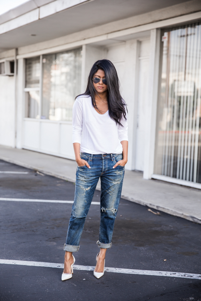 Walk In Wonderland - White V Neck, White Pumps Citizens of Humanity Jeans