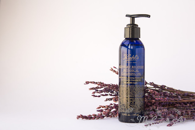 Midnight Recovery Concentrate Botanical Cleansing Oil de Kiehl's, aceite limpiador con aroma a lavanda.