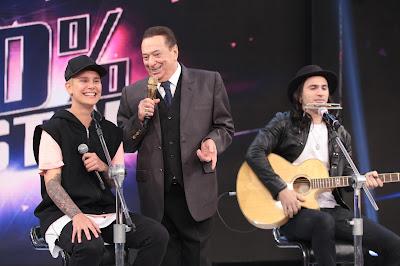 Foto: Raul com o candidato do 100% Justin Bieber (Crédito: Rodrigo Belentani)