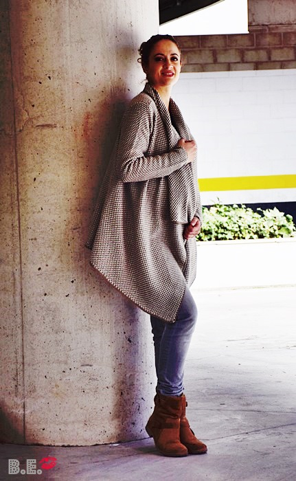 Outfit-cardigan-asimetrico-albaricoque-2