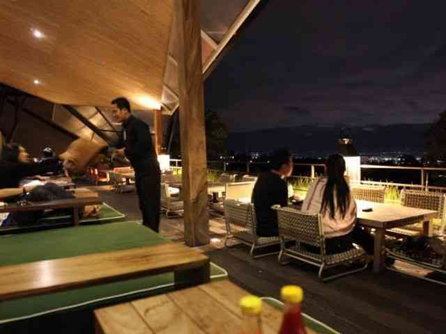 Wisata kuliner yang romantis di Maja House Lembang Bandung