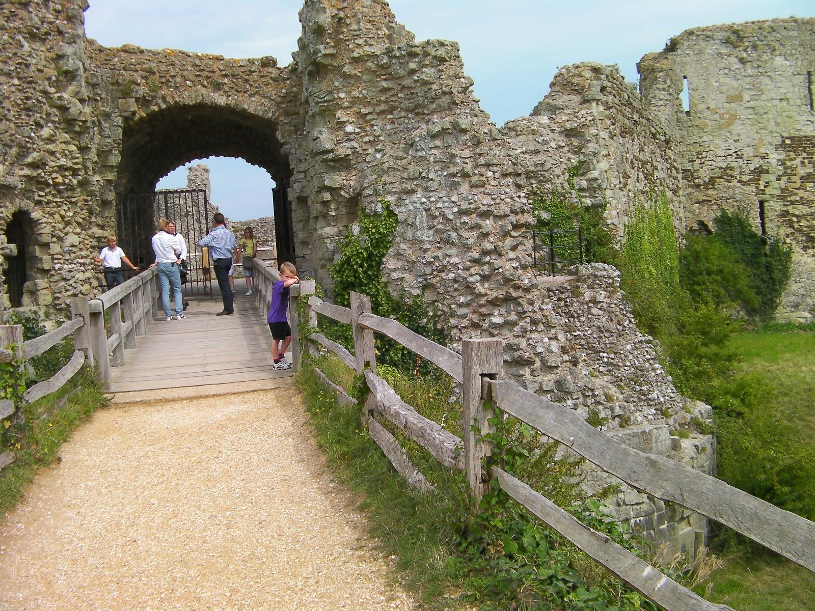 derelict castle ruins pevensey