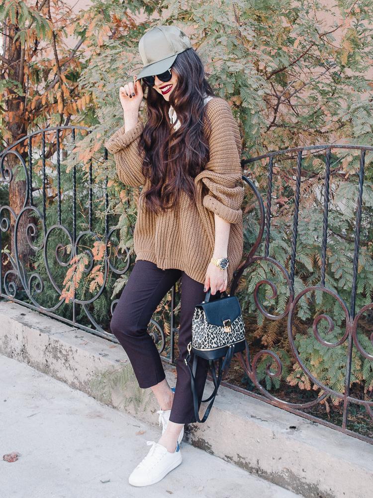 fashion blogger diyorasnotes diyora khalilova baseball cap asos oversized jumper romwe white sneakers new look backpack