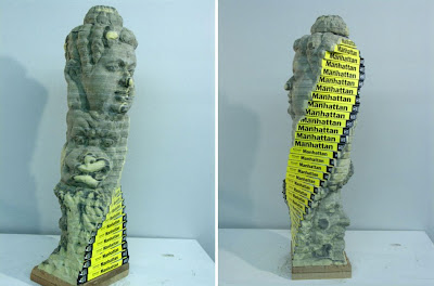Esculturas  con libros reciclados.