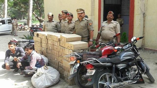 कुशीनगर : अबैध शराब तस्कर गिरोह को पुलिस ने किया गिरफ्तार, करीब 25 लाख रूपये की शराब बरामत