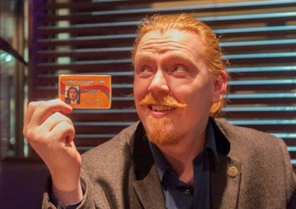 http://www.neatorama.com/2014/08/29/Scotsman-Cashes-in-With-Fake-Ginger-Discount-Card/#!bNiiYA