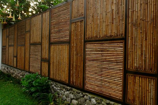 contoh desain pagar minimalis dari bambu