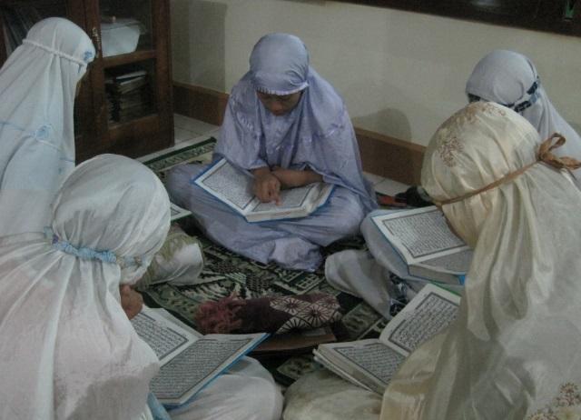 Inilah Cara yang Benar dalam Mendidik Remaja Menurut Islam