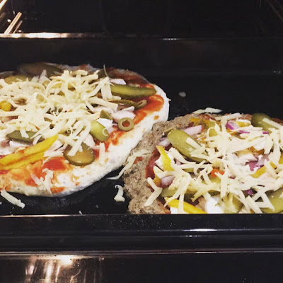 Zdrowa pizza na wieloziarnistym spodzie