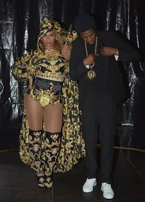 Celebrity Fashion Style: Beyonce's Versace Outfit for On the Run Tour @Fashionolic