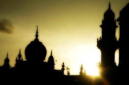 Bulan Ramadhan Yang Agung