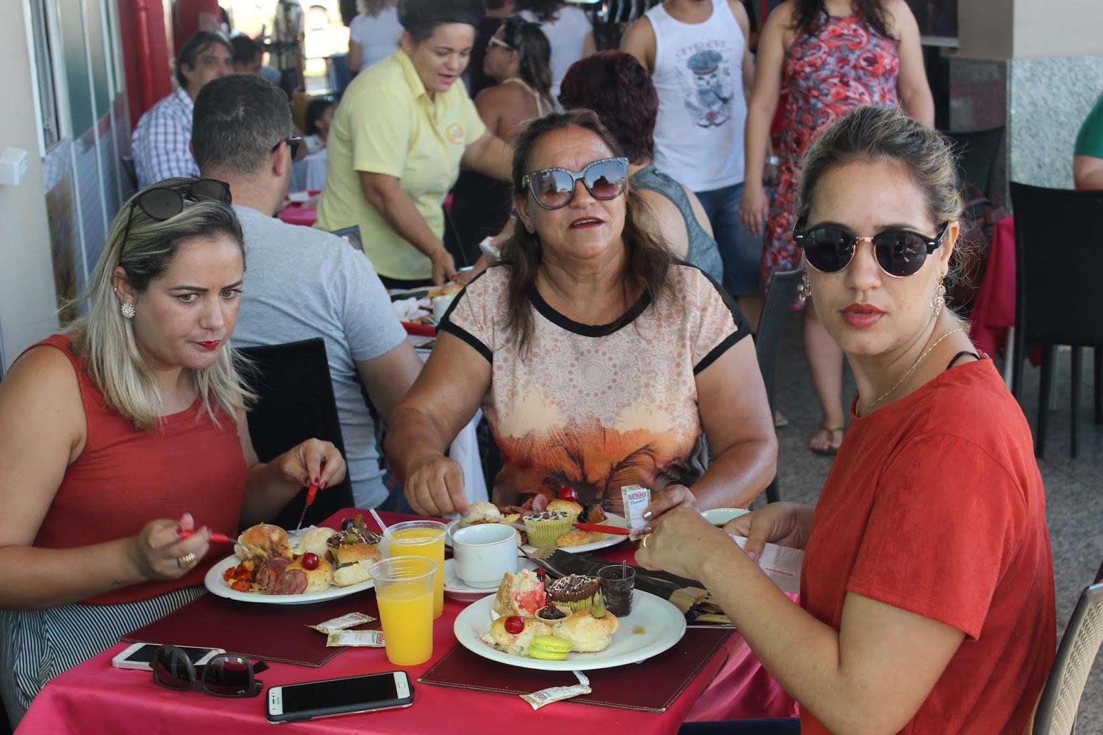 IMG 3619 - Dia 12 de maio dia das Mães no Jardins Mangueiral foi com muta diverção e alegria com um lindo café da manha