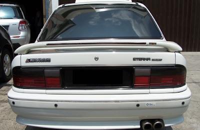 Eksterior Belakang Mitsubishi Eterna Prefacelift