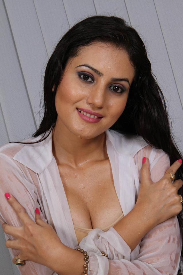 Beauty Galore Hd  Bengali Actress Anusmriti Sarkar Hot -4755