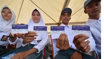 Kemdikbud: KIP Dalam Bentuk ATM dan Buku Tabungan SimPel
