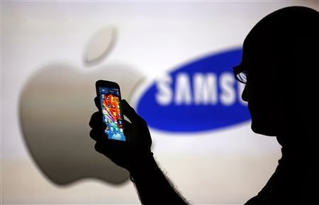 U.S. jury awards Apple $290 million in retrial against Samsung . ll http://technology-professionales.blogspot.com/2013/11/us-jury-awards-apple-290-million-in.html