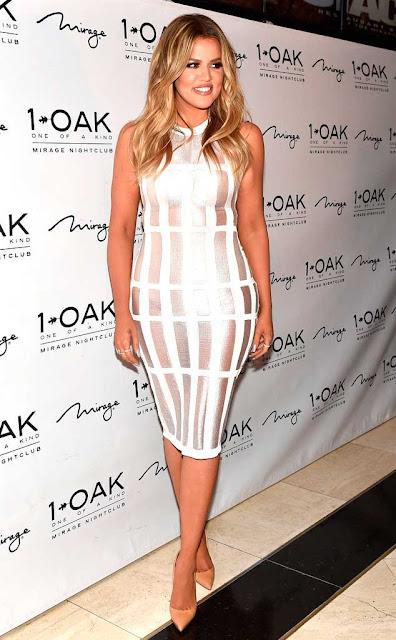 Kloe Kardashian vestido branco