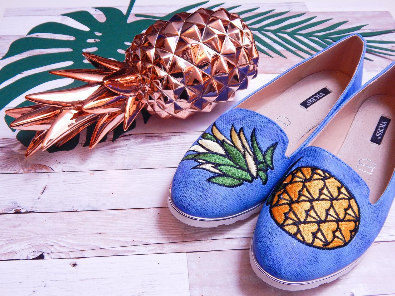 5 renee jasnoniebieskie mokasyny pineapple ananas buty obuwie renee obuwie damskie półbuty buty na wakacje wygodne z aplikacjami wyszywane vices recenzja partybox wystrój wnętrz na imprezy