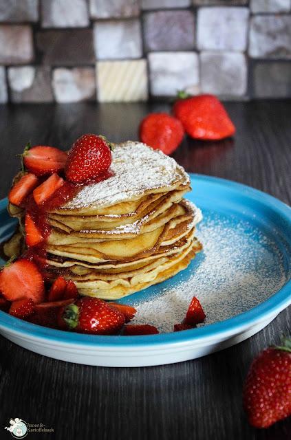 Pancakes mit Quark und Beeren