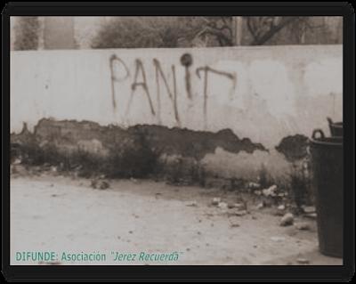 """Francisco Javier Verdejo Lucas pintaba en una pared una consigna del momento: """"Pan, trabajo y libertad"""". Sólo pudo escribir """"Pan, T""""..."""