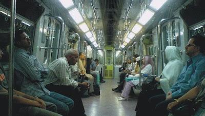 500 جنيه غرامة على مشغلي القرآن والأدعية في المترو والقطارات