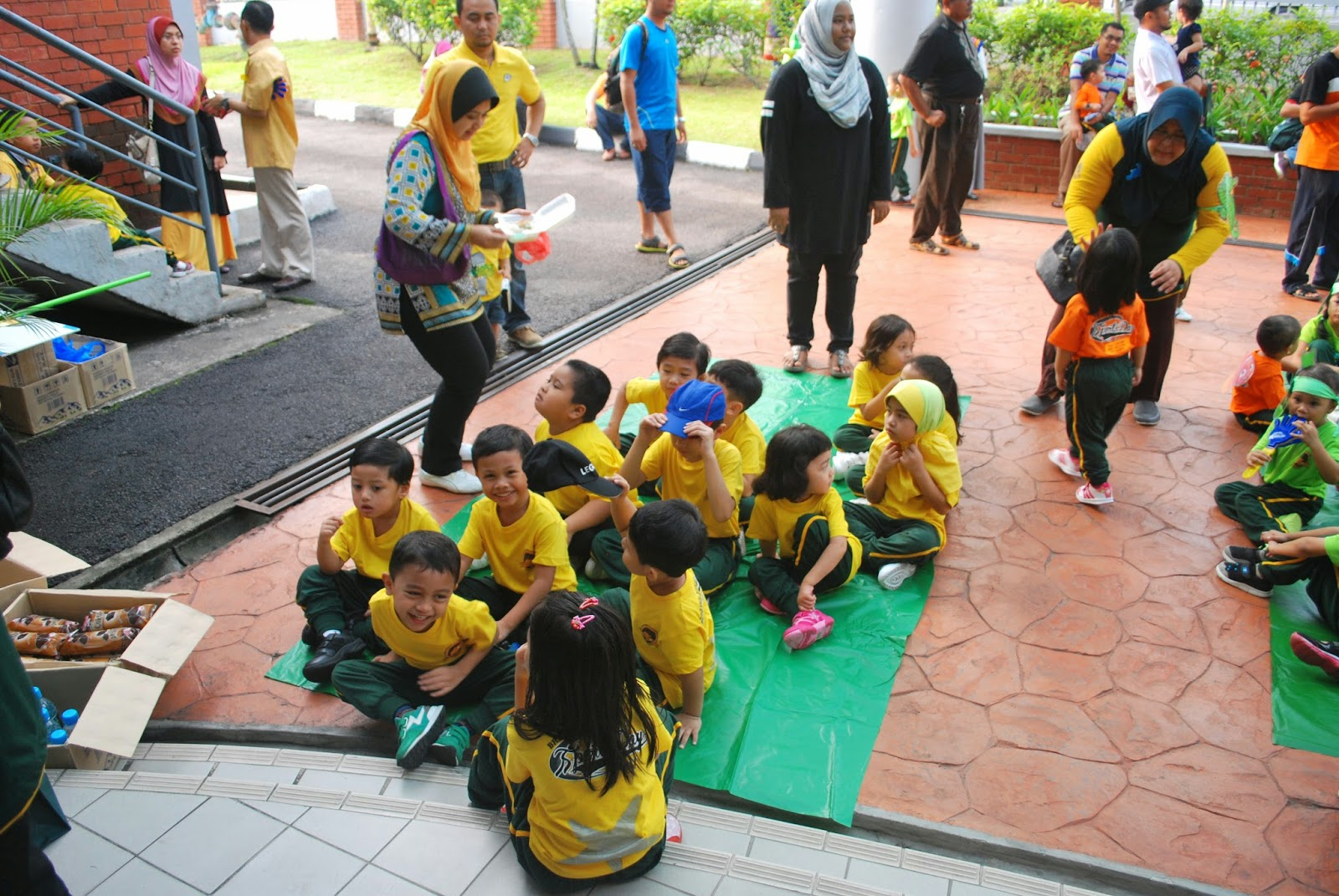 Life Is So Complicated Brainy Bunch Sports Day 2014