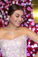 Hansika Motwani Sizzles in a Deep neck Sleevless Pink Gown at Zee Telugu Apsara Awards 2017 05.JPG