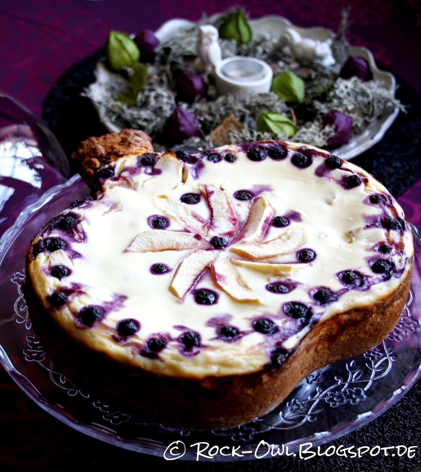 rock and owl blog herbsthaft apfel heidelbeer kuchen mit vanillequark. Black Bedroom Furniture Sets. Home Design Ideas