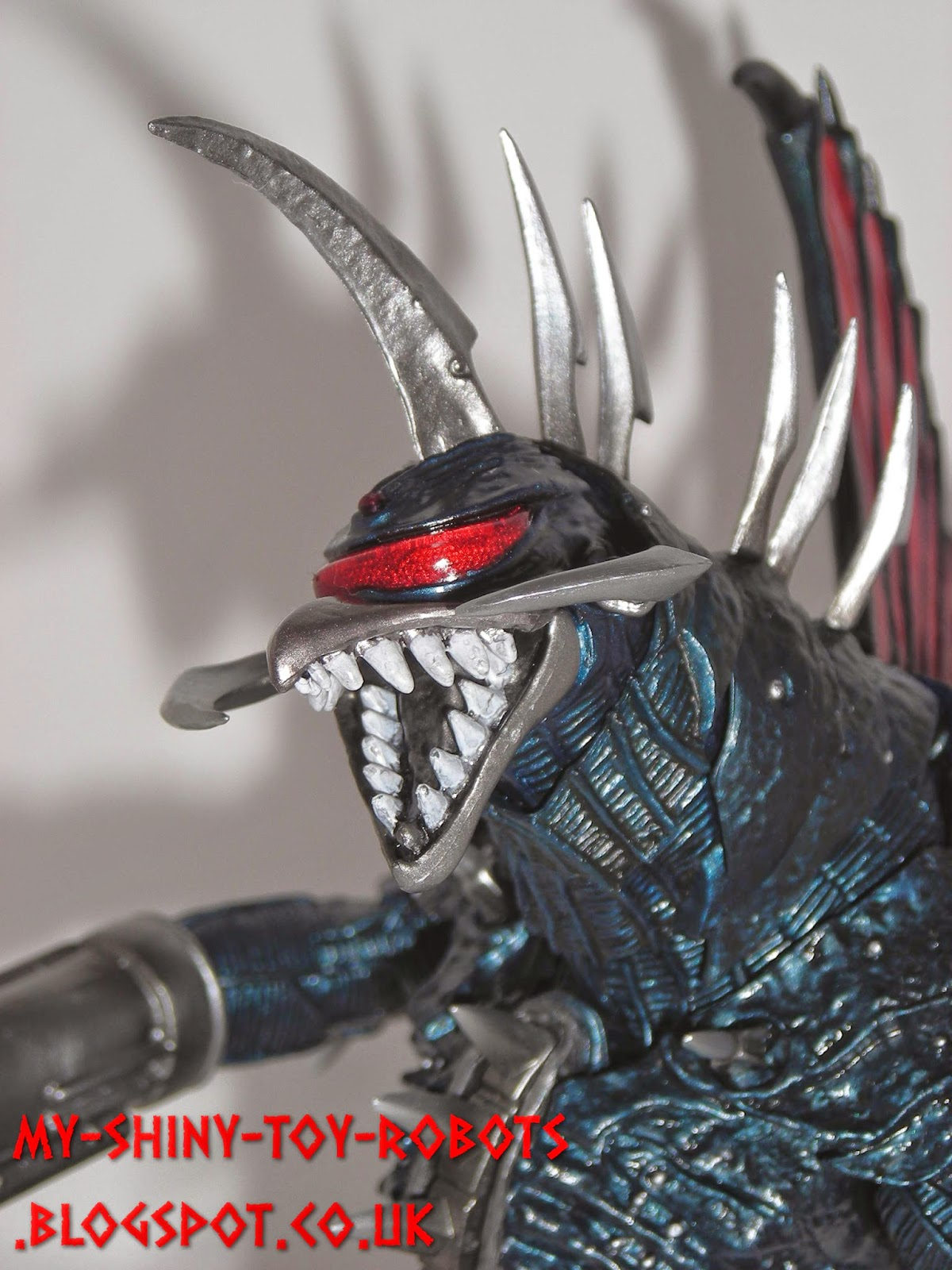 SH MonsterArts Gigan (2004 version)