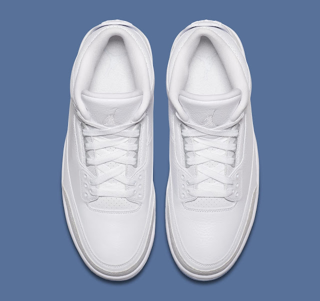98e92ee4e95 Finishing off the design is a clear translucent outsole and matching  hangtag. The Nike Air Jordan ...
