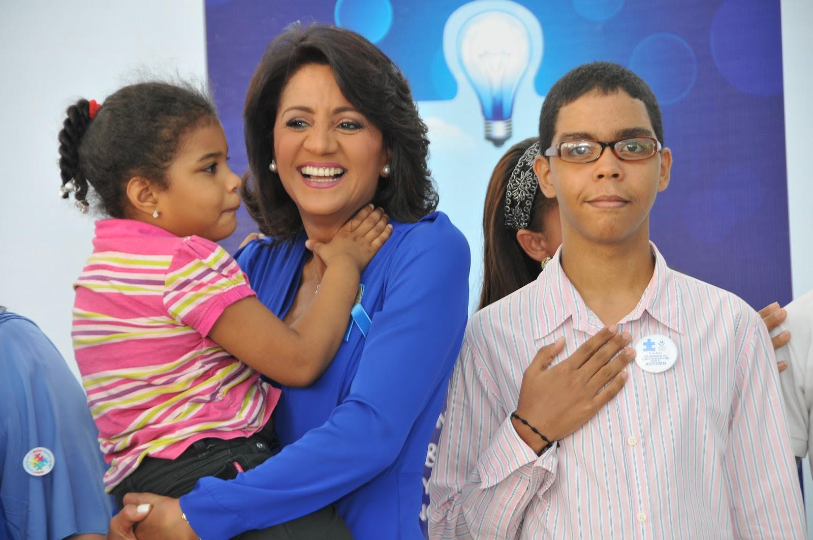 Primera Dama  exhorta a crear ambiente adecuado y de inserción a personas con autismo
