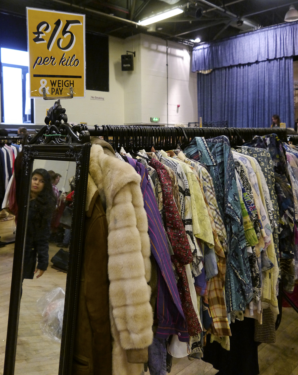 vintage kilo sale, vintage weigh and pay, pop up vintage fair, tips for shopping vintage